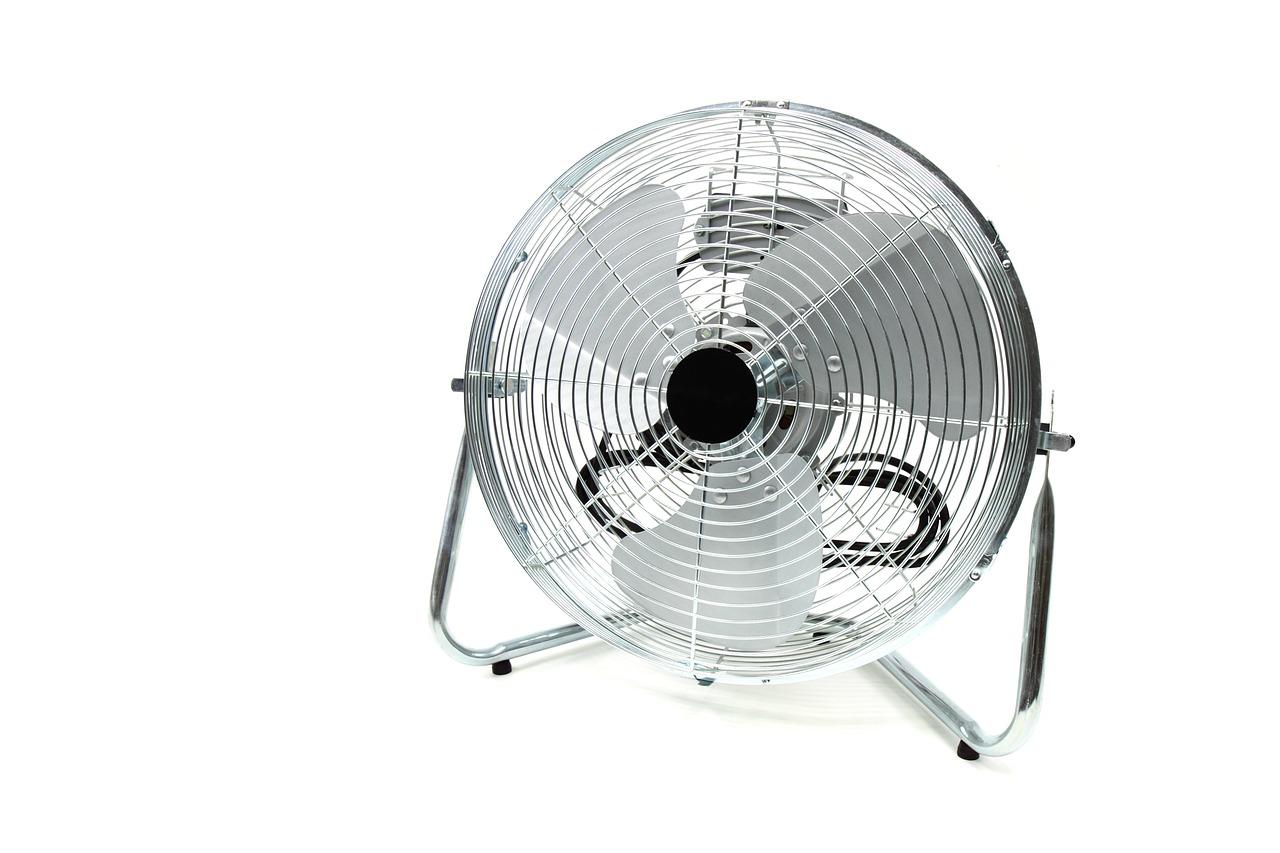 サーキュレーターと扇風機の違いは?涼しさで選ぶとしたら?