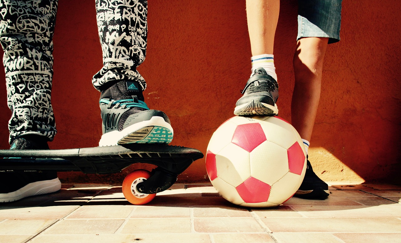 【ご近所トラブル】道路でのボール遊びが原因!どうしよう…