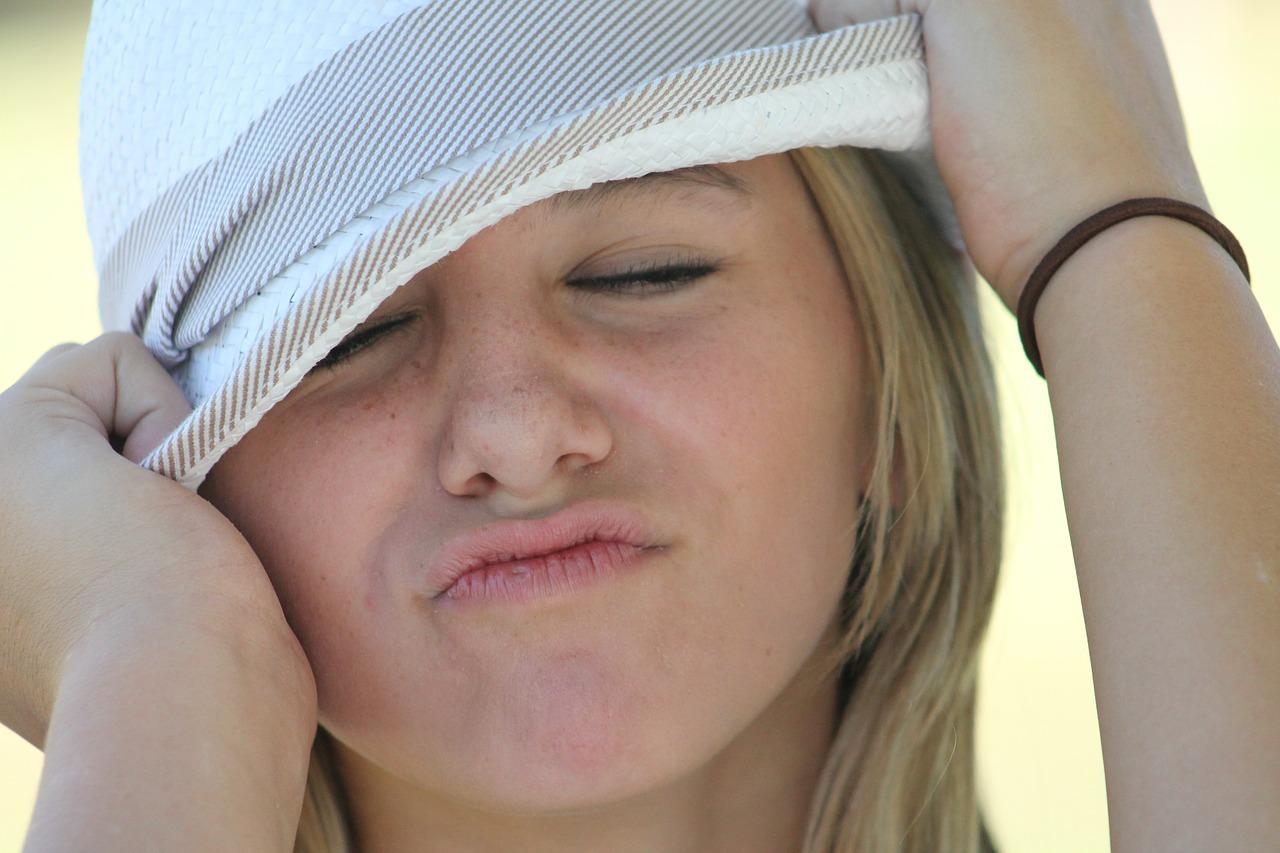 ステロイド副作用|顔のむくみで悩んでいます(涙)治せますか…?