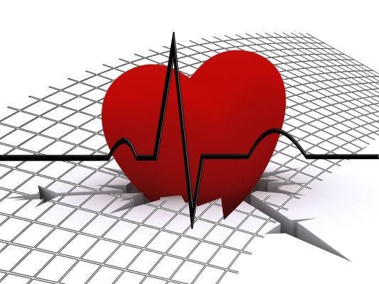 朝、心臓がドキドキして苦しい!?これってもしかして病気?