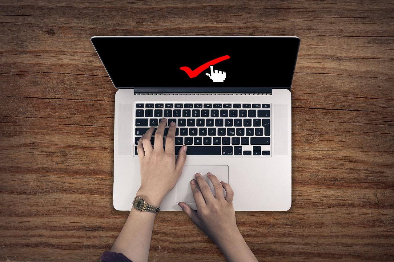 面接日程メールには必ず返信する事で、コミュ力をアピールしよう