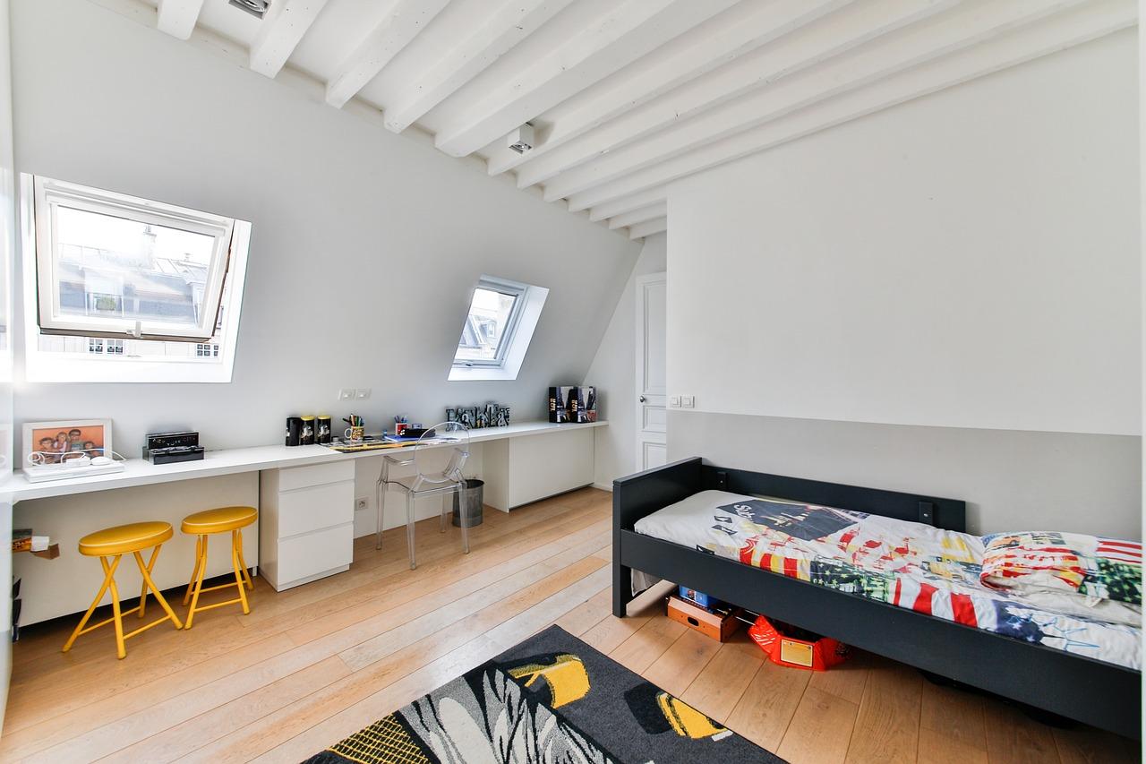 電気製品を使わず、夏の暑い部屋の湿度を下げる方法は?対策とは