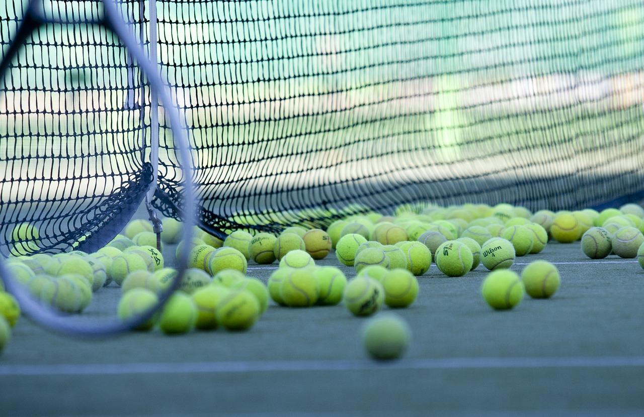 参考に!テニスの練習メニューを紹介!平日の部活動のメニューは