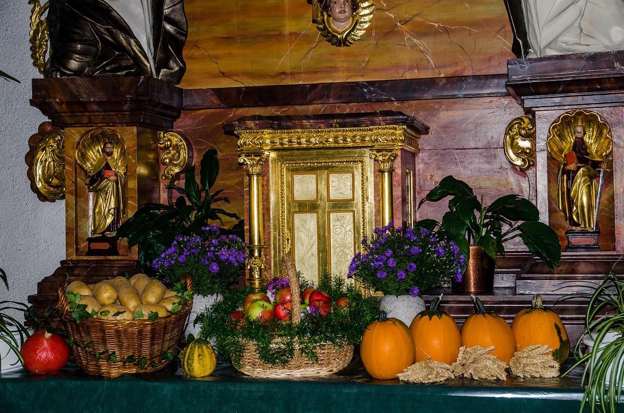 家の新築を機に「神棚+仏壇」を購入!位置や方角…作法の注意点は何