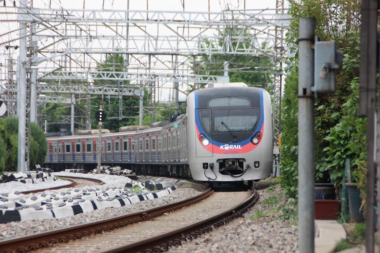 【悲報】電車の遅延で商談がパーに(涙)鉄道会社は保証してくれるの?