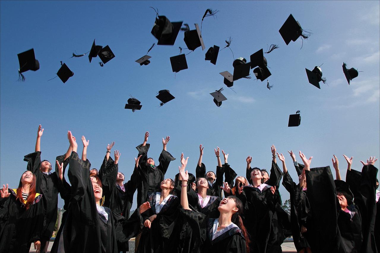イギリスの大学の難易度はどのくらい?大学入試の特徴について