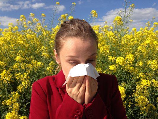 本当にツラい…花粉症の治療法は?薬の効果は?