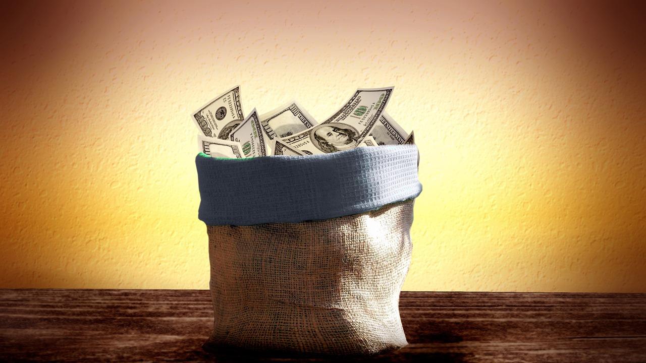 法律違反に注意!普通郵便で現金を送ると問題?郵送方法は現金書留で