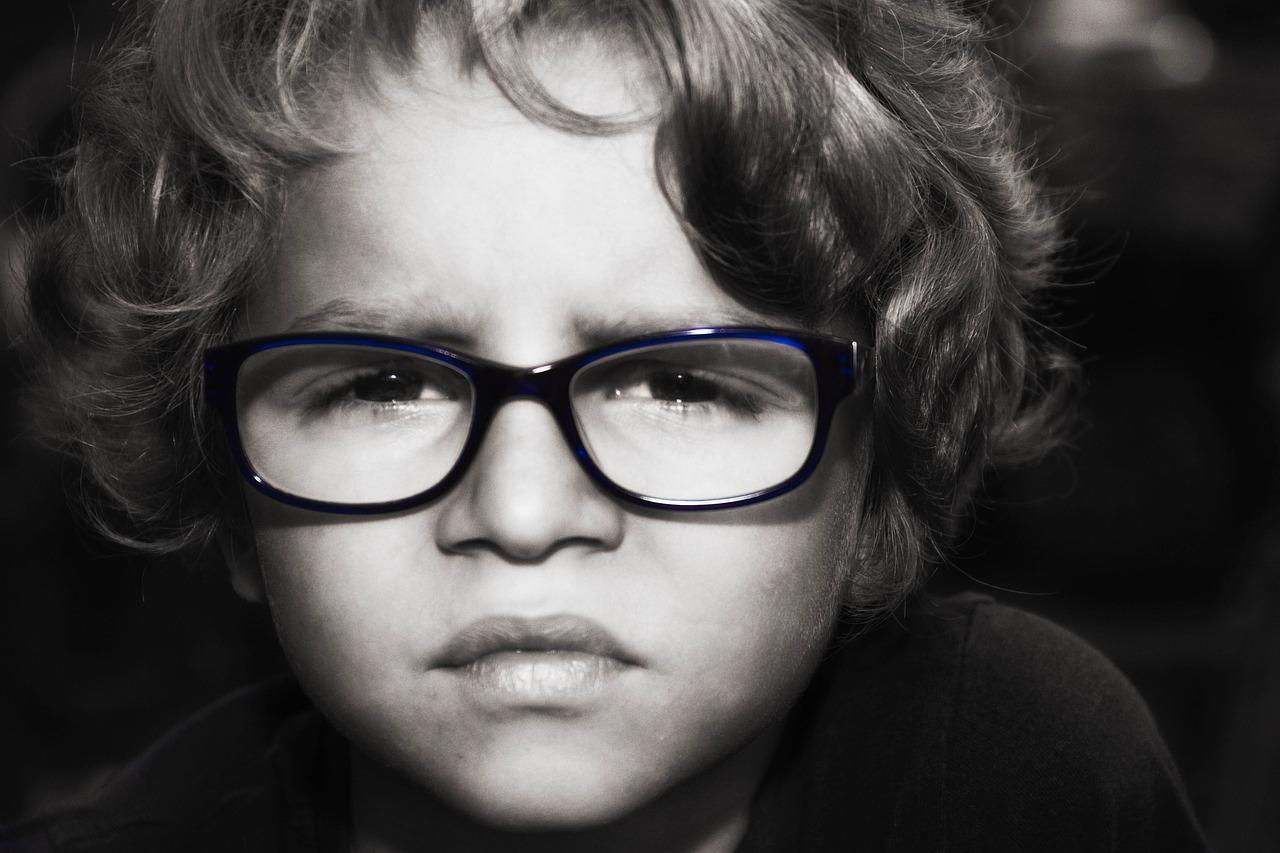 ドキドキの視力検査…コンタクトやメガネが必要な視力ってどれくらい?