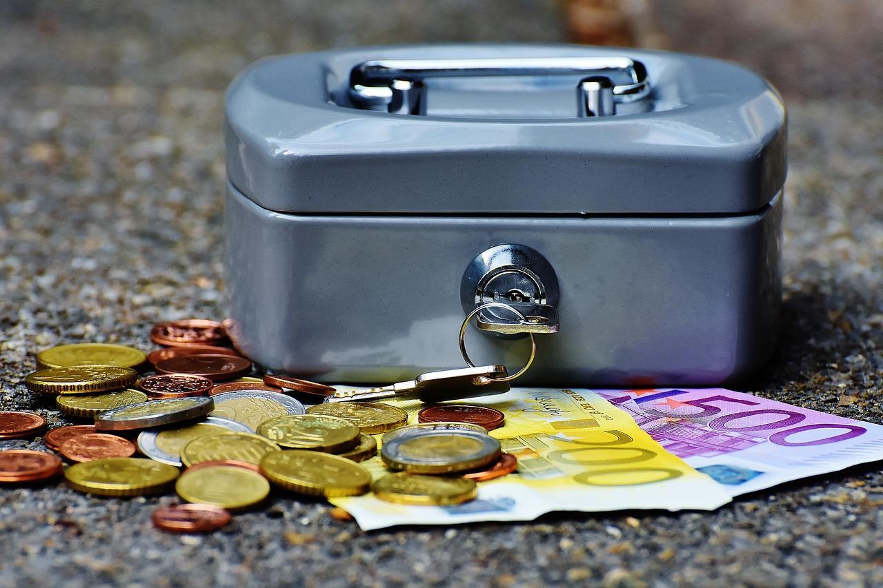 30歳までに貯金1000万円貯めることが出来る☆貯金のコツをご紹介