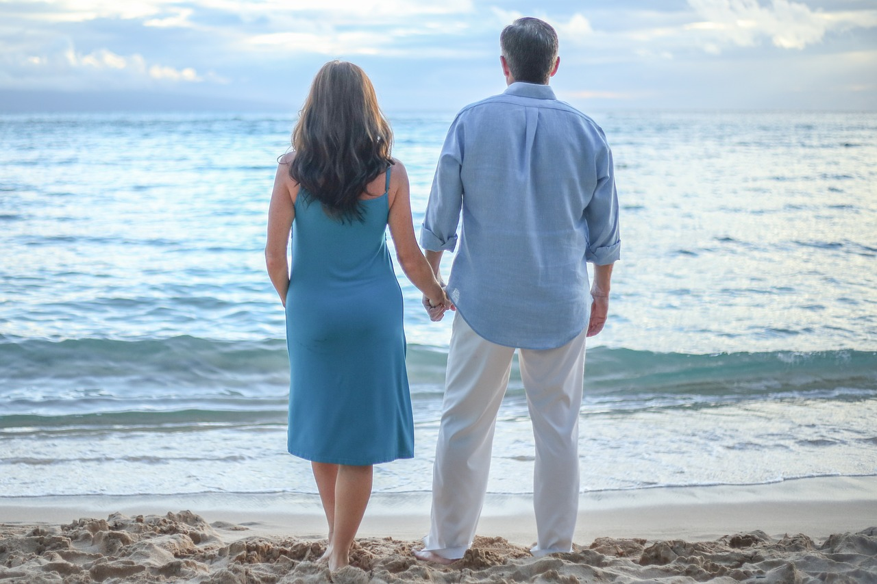 【年の差結婚】後悔する人・しない人の違いを比較。大切なのは○○?!