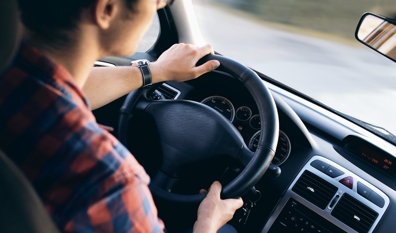 教習所の運転技能・学科を受ける時…必要な持ち物準備!合宿や検査は