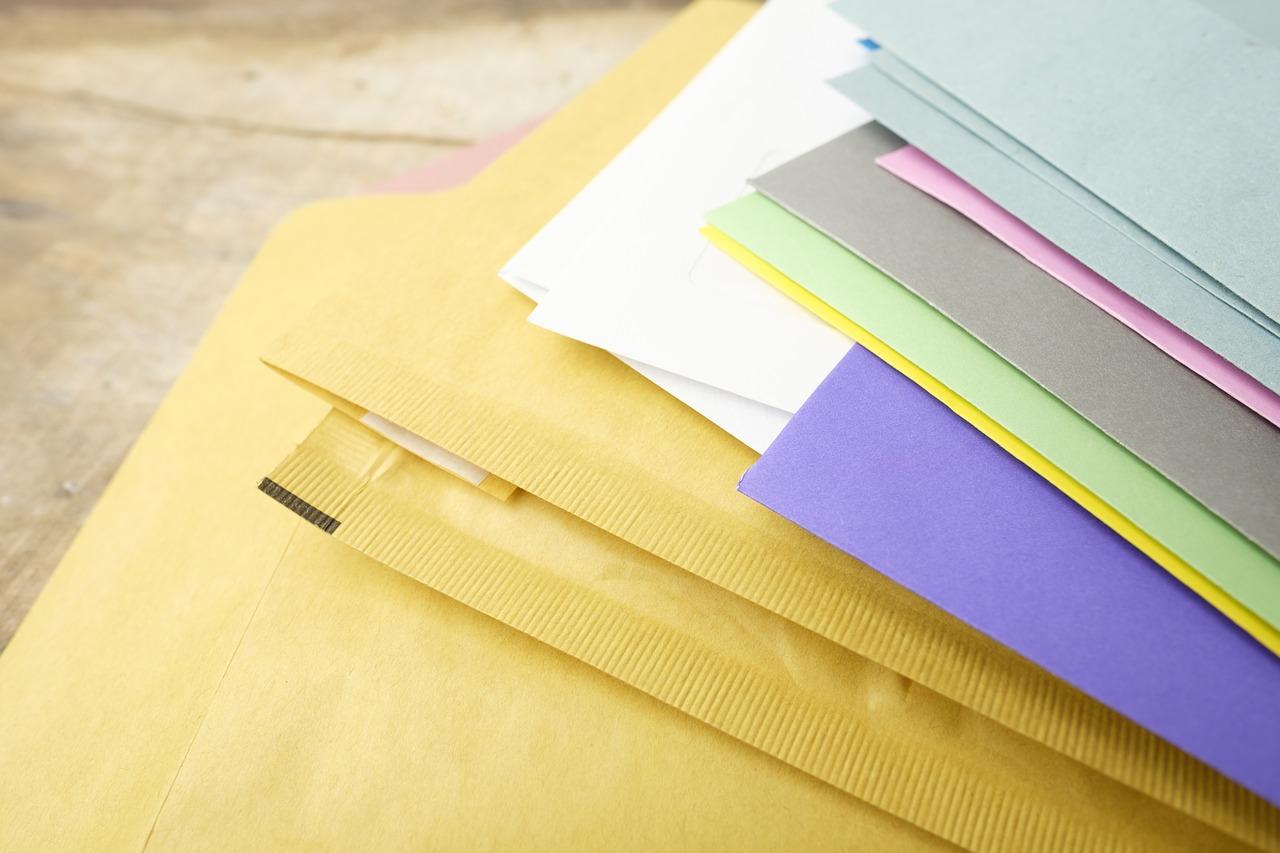 郵便物を送る際の『宛名の敬称』書き方マナーをご紹介します☆