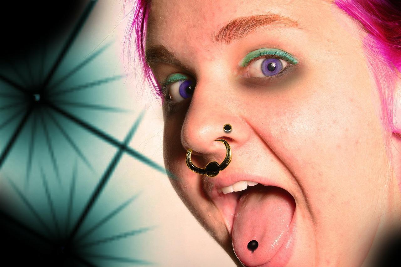 舌ピアスは舌癌の危険誘因!飲酒や喫煙でさらにリスクが増大か!