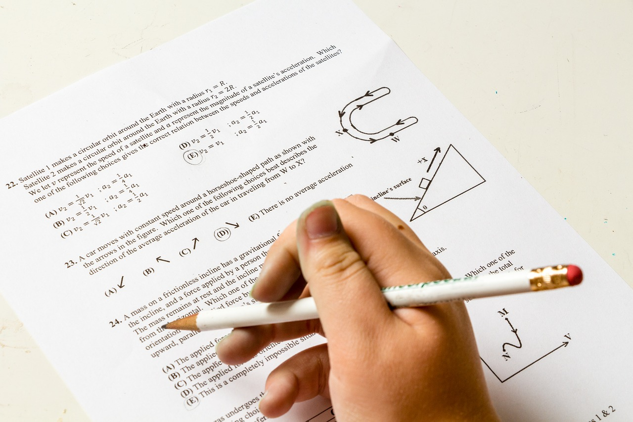 高校受験時の勉強時間はどれくらい?冬休みはスケジュールを組んで