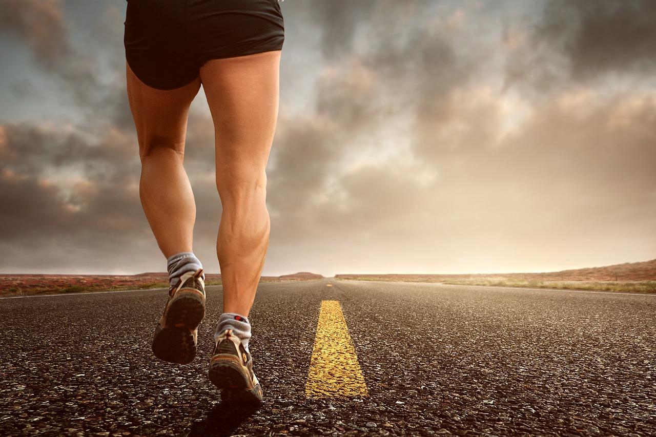 ランニング障害!足の痛みの原因は?なりやすい要因・症状など解説!