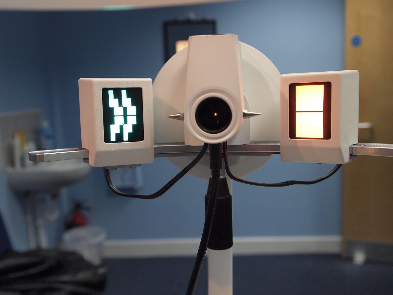 初めてコンタクトを作る時、眼科初診料はいくら?受診時の注意点