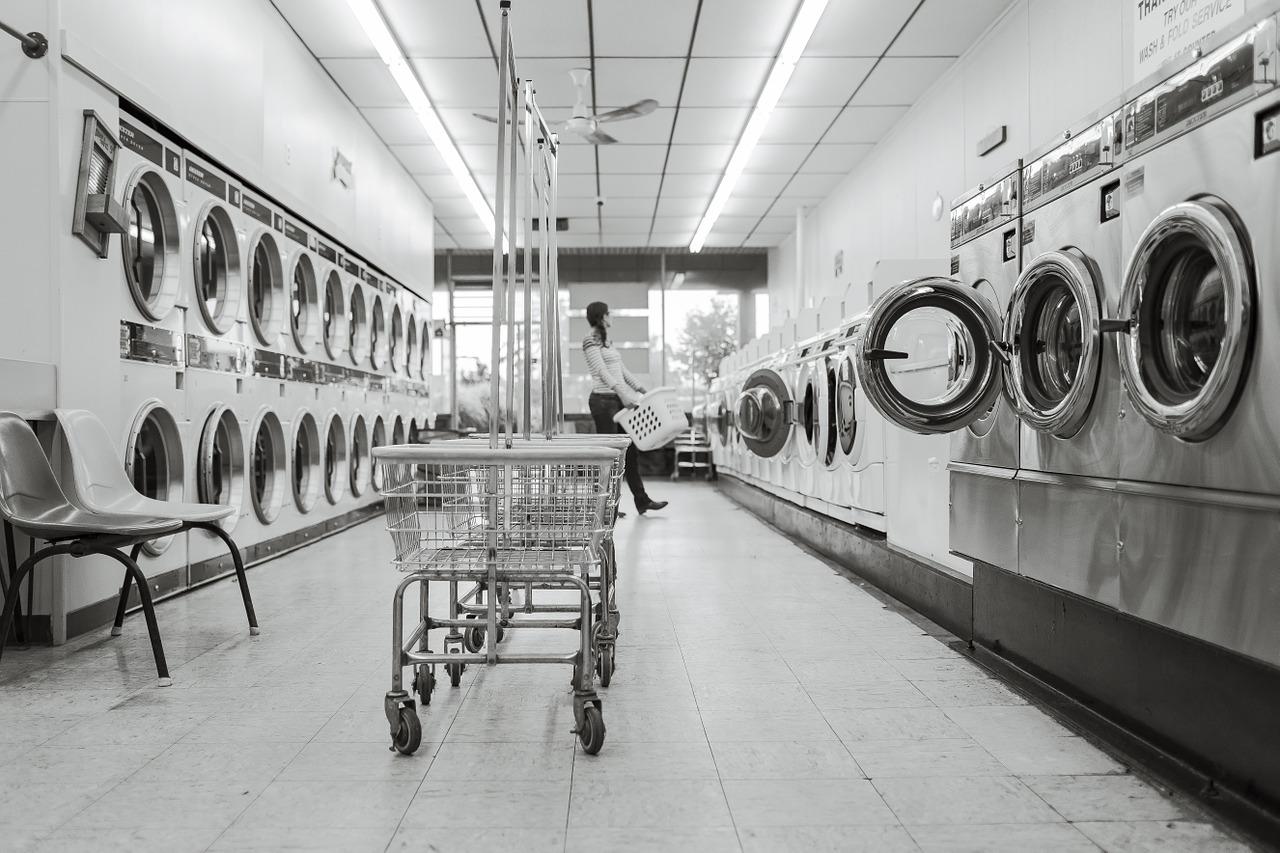 コインランドリーの乾燥機は大型で早く乾く!適切な乾燥時間は?