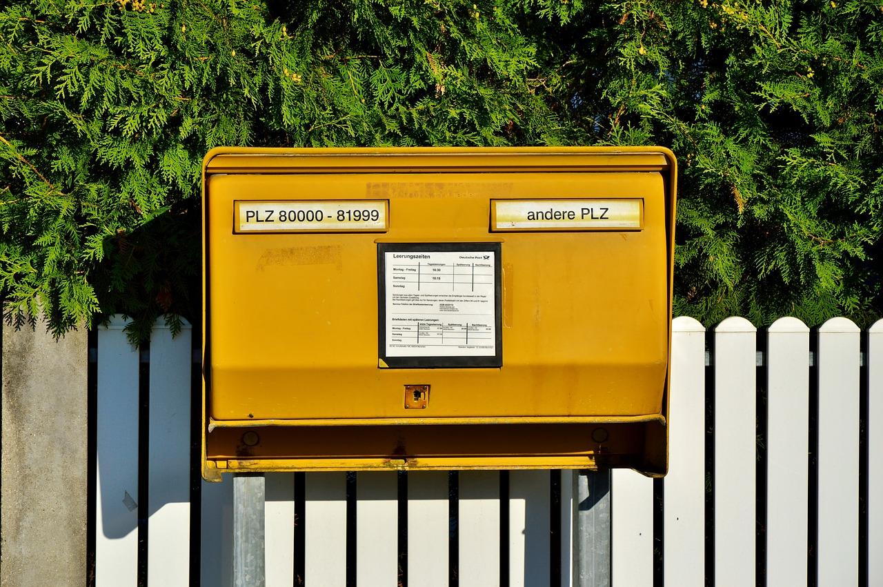 不動産の契約書…重要な書類なのに「郵送で送られてくる」ってアリ?!