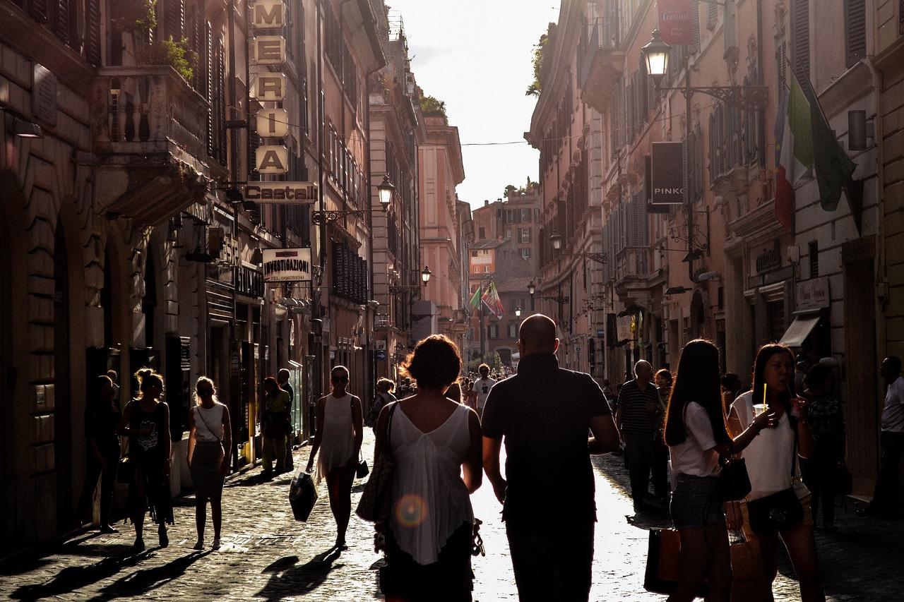 イタリアへ旅行に行きたい!服装はどうしたらいい?
