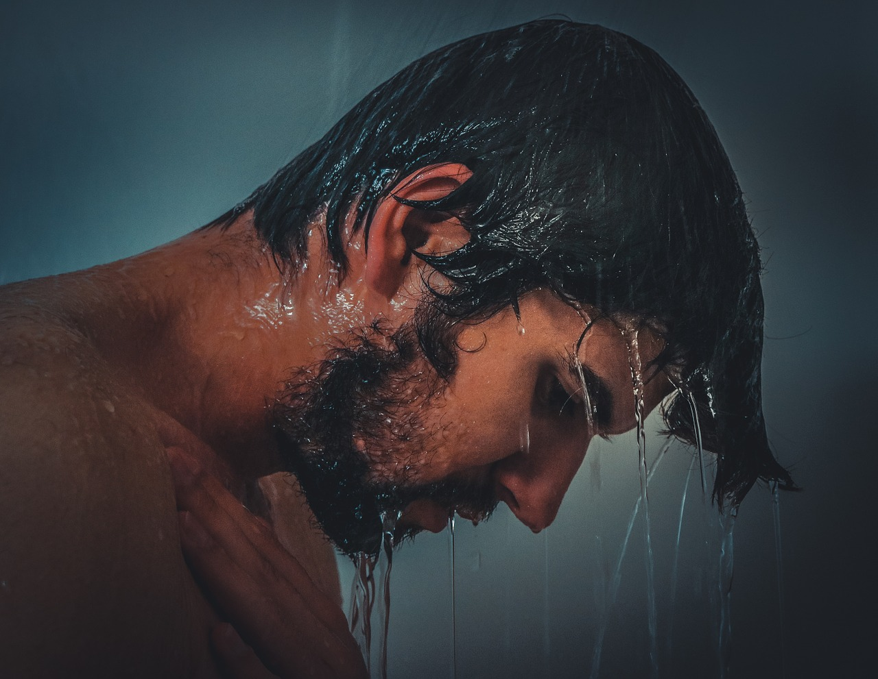 朝のシャンプーは髪の毛に影響ある?朝シャン・洗髪の悩みを解決