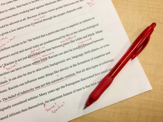 英語スピーチの題材や構成はどうしたらいいですか?