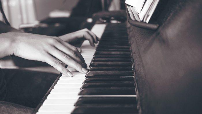 ピアノを弾く人は指が細い!?ピアノと指の関係とは・・・