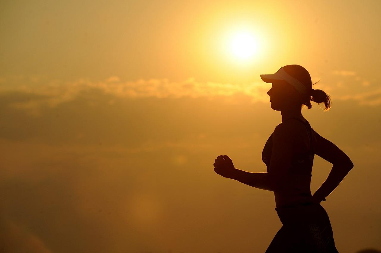 ランニングで肩が凝ったり筋肉痛になる?効果的な対処方法は?