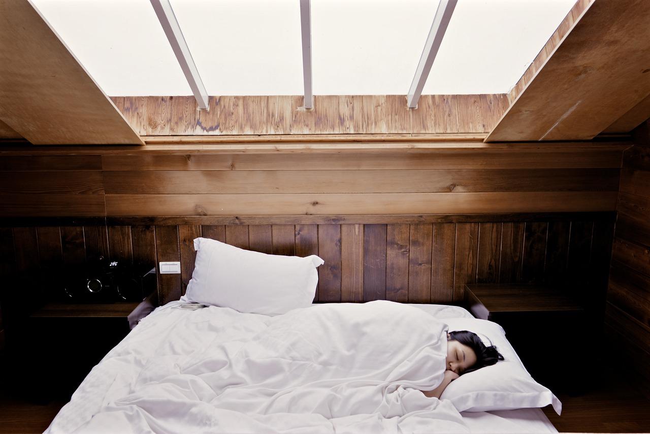 これってうつ病?睡眠時間が長いのなら…疑われるのは【冬季うつ】