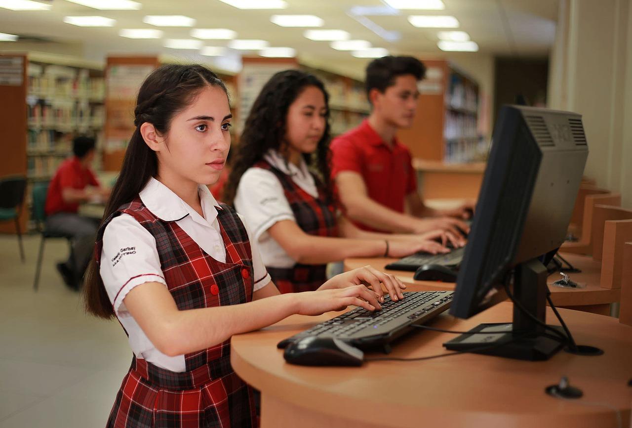 「情報」が高校の必修の授業って知っていますか?
