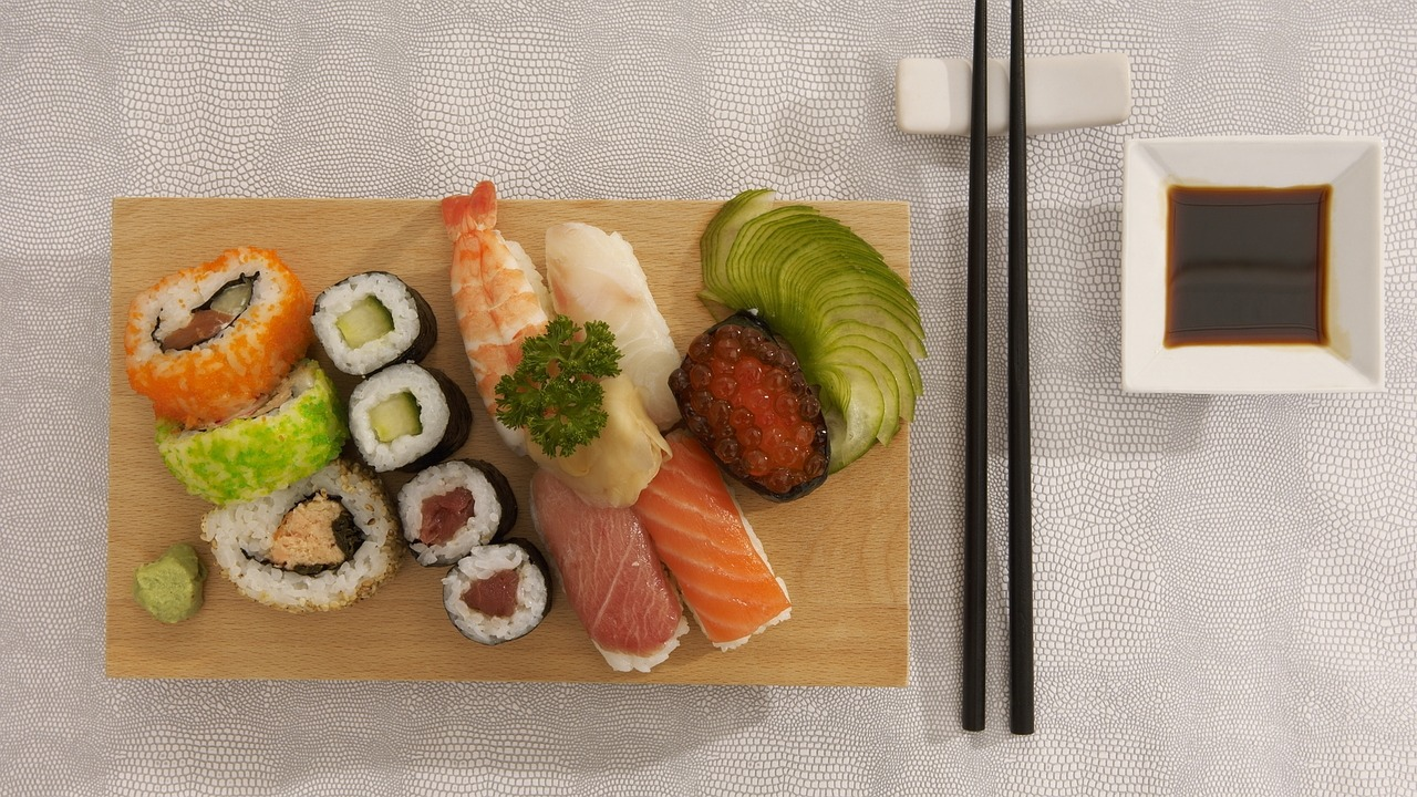 寿司のワサビ|入れる理由…魚の生臭さ消しや抗菌効果で食中毒対策?