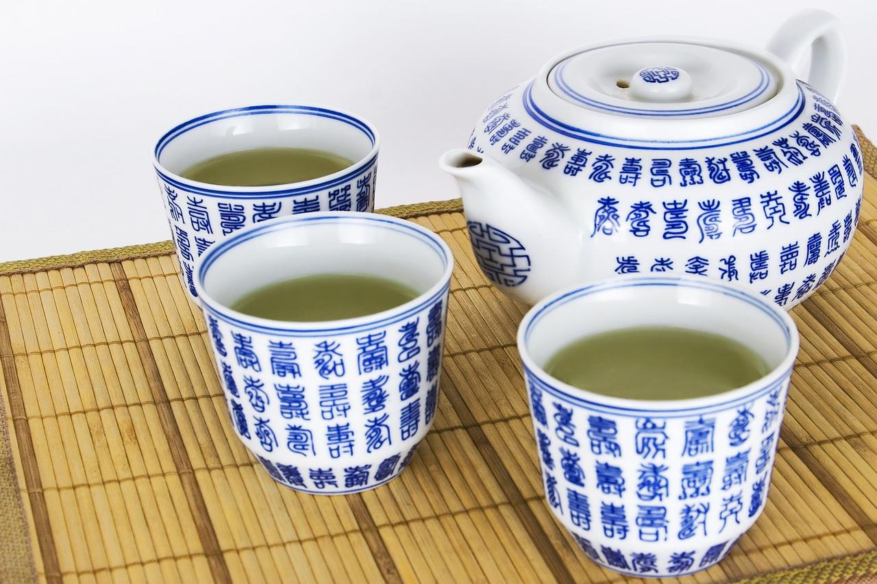 アトピー性皮膚炎、汗に含まれるカビが原因なの?!緑茶成分は効果的?