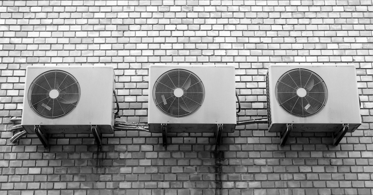 夏のエアコン代は室外機カバーをかけると節電できる!方法とは?